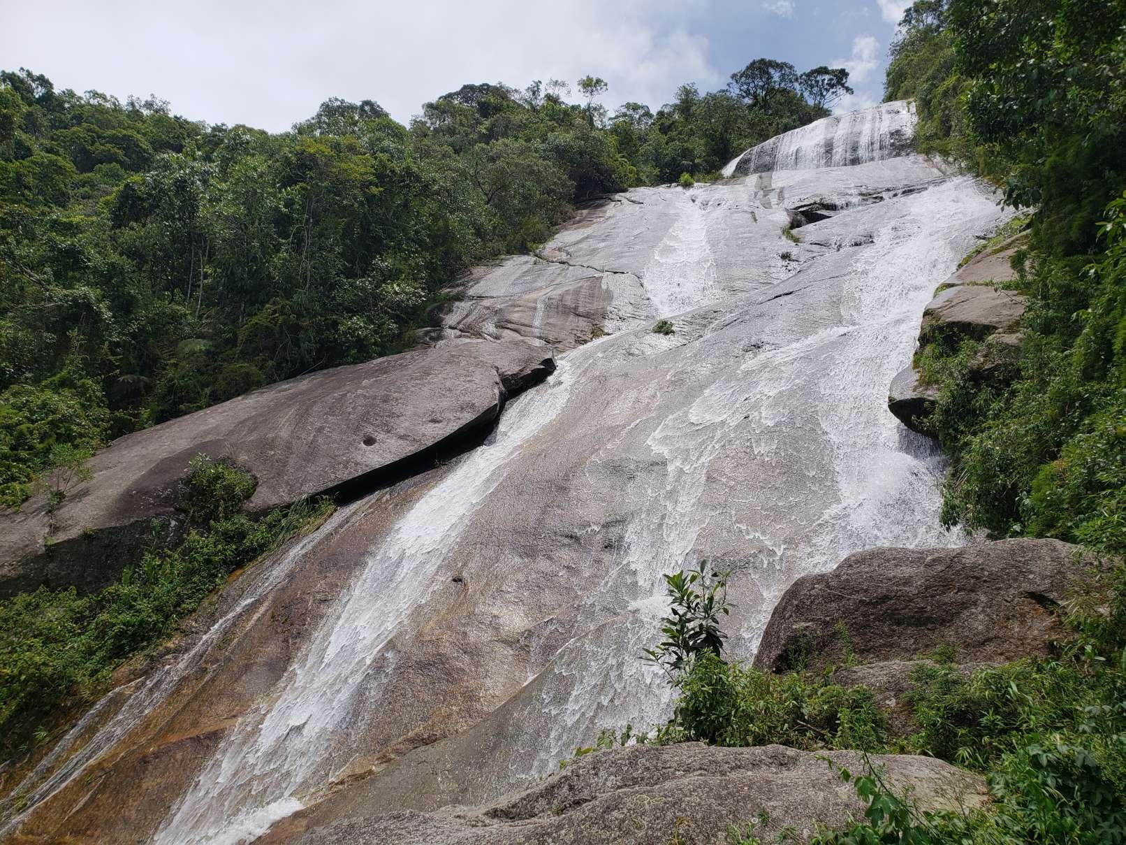 Cachoeira do Alcantilado